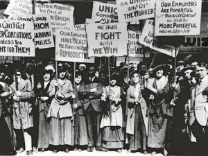 Women textile workers on strike in 1912, Lawrence, Mass.